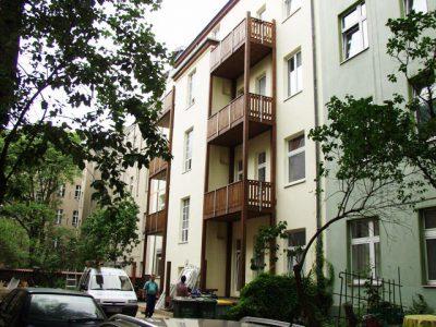 Balkonanlage aus Holz in Berlin