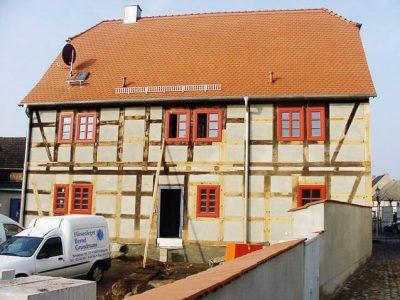 Restauration einesFachwerkhaus in Übigau.