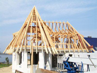 Dachstuhl für ein Haus am See